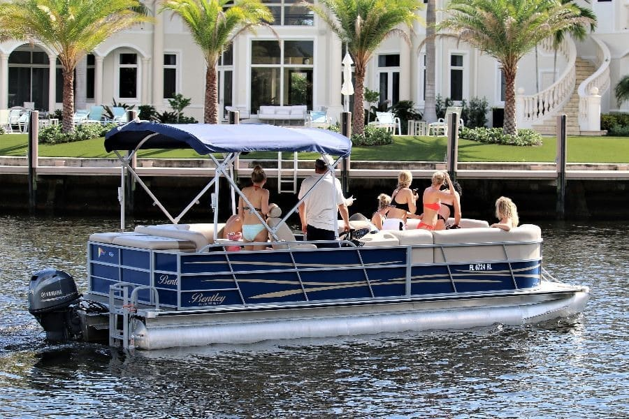 Party pontoon boat
